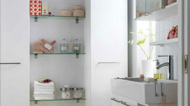 Дизайн полок в ванной комнате